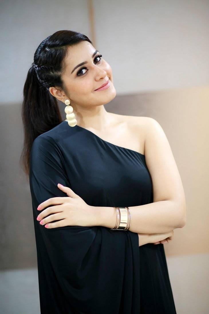 Rashi Khanna Gorgeous Photos In Black Dress