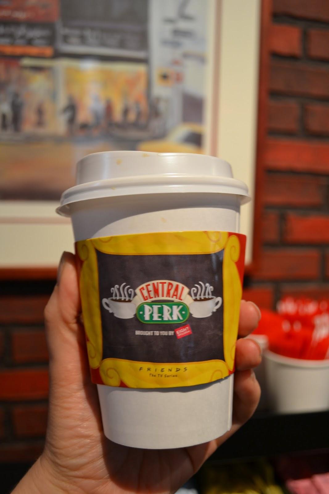 """Утренний кофе в кафе Централ Перк(Central Perk) из сериала """"Друзья"""" (""""Friends"""")"""