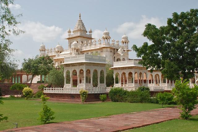 Jaswant-Thada-in-Jodhpur-Tour