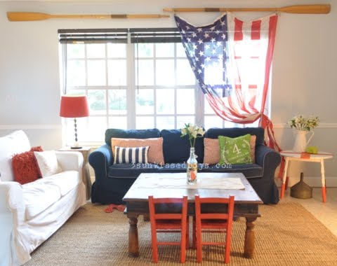 Patriotic decorating ideas in red white and blue coastal decor ideas and interior design for Red and blue living room ideas