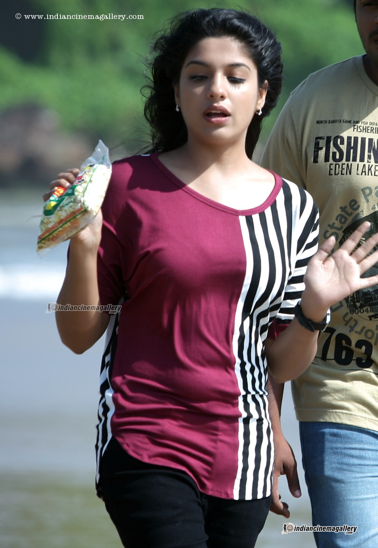 Archana Kavi Latest Hot Photos From Malayalam Movie Day -7594