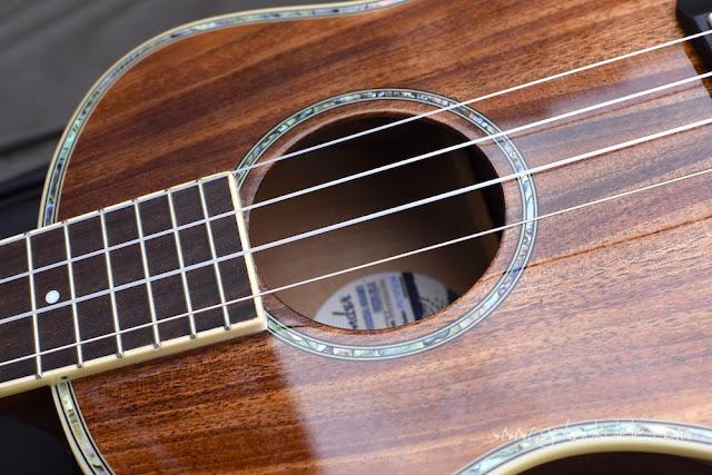 Fender Montecito Ukulele binding