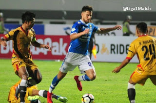 Persib Bandung vs Mitra Kukar 2-0 Highlights Liga 1 Minggu 8 April 2018