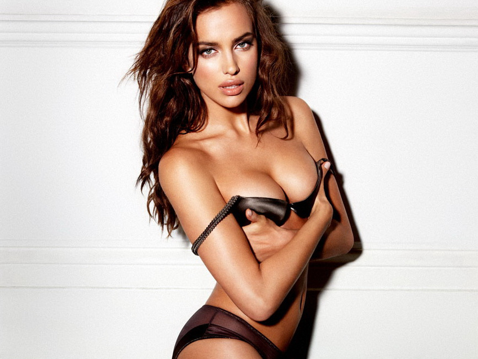 Irina Shayk Nude Pictures