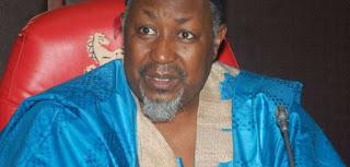 Bance  kwankwasone  gwani na ba  azaben  komai yasa haka?