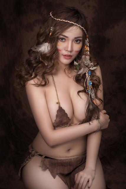 Mỹ Nữ Thổ Dân Gợi Cảm Với Bầu Ngực Căng Tròn