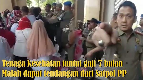Viral Video Kebrutalan Satpol PP Kampar Bubarkan Demo Ibu-Ibu di Kantor Bupati