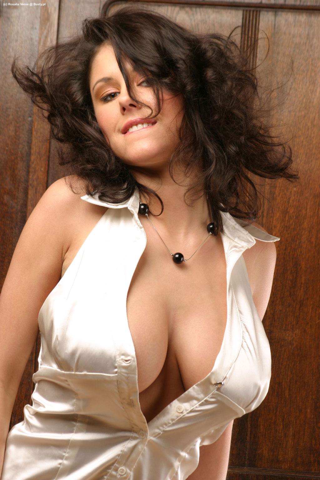 Aaliyah love nude outside