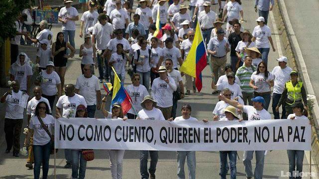 'Não engulo essa história, eles (FARC) querem o poder e não a paz', protestos em dezenas de cidades contra os 'Acuerdos de Paz'.