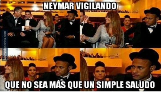 Cristiano Ronaldo y su saludo picarón a la mujer de Messi