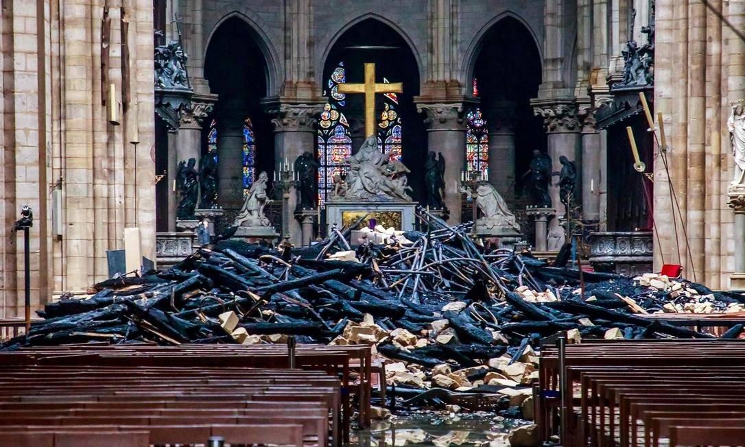 Estrago na Catedral de Notre Dame