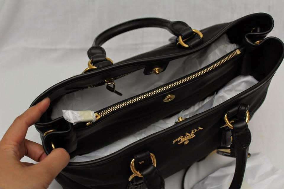 b25a2ff8ce05 prada handbag fake - Prada BN2832 Tessuto Nylon Tote-Black
