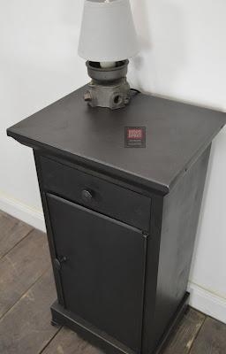 Ancienne table de chevet métallique