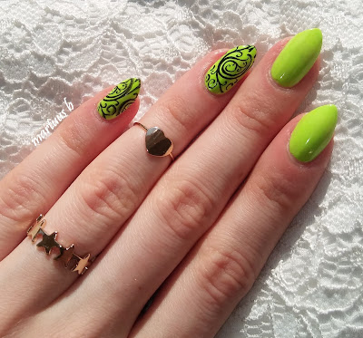 http://martuuszakatek.blogspot.com/2017/04/soczysta-zielen-lovely-exotic-color-nr-1.html
