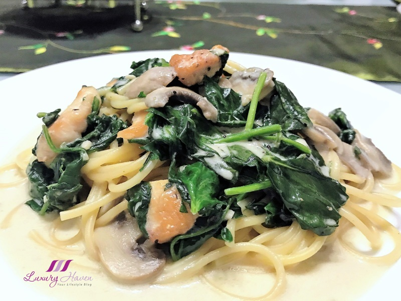 emborg creamy chicken spaghetti with baby spinach