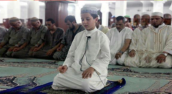 Masya Allah !! Inilah 9 Syarat untuk Menjadi Imam yang Belum Kita Ketahui.. Sahabat Muslim Bantu Sebarkan ya ...