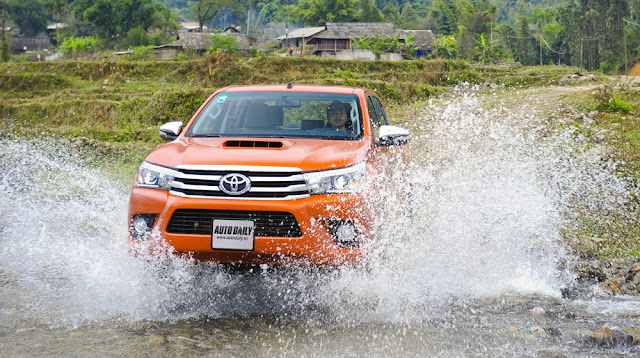 chon toyota hilux vi tin vao chat luong xe Toyota