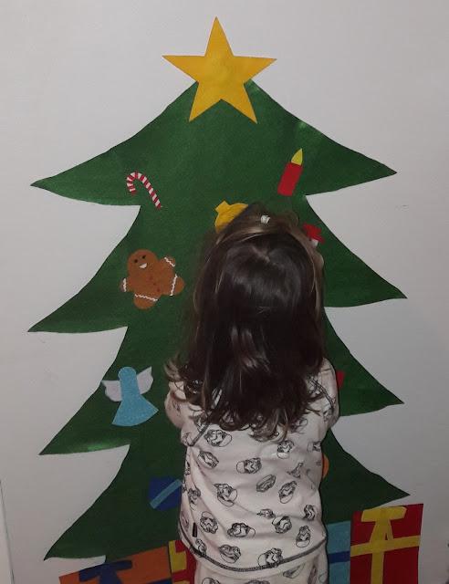 fabriquer pour enfant bas age à partir 18 mois noel sapin feutrine décoration jeu