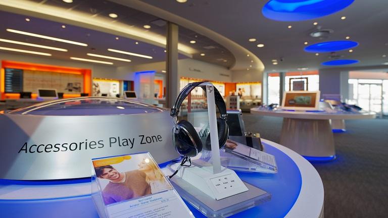 5584086bc Como são as lojas de eletrônicos em Orlando