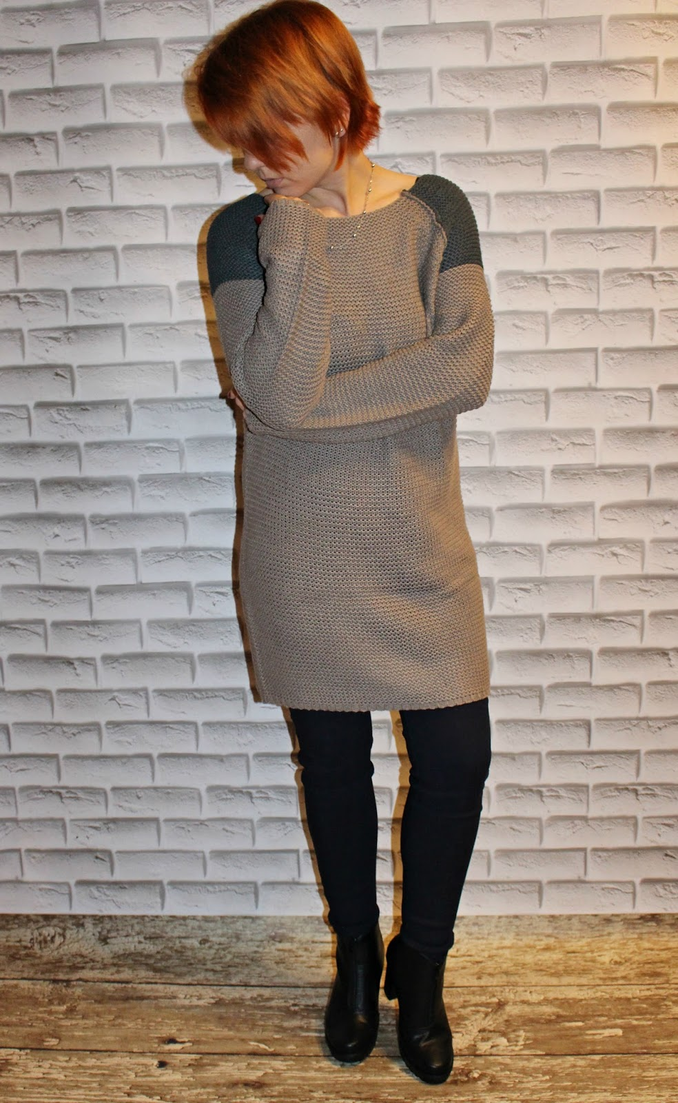 http://www.rosewholesale.com/cheapest/street-snap-color-block-sweater-1377279.html?lkid=352248