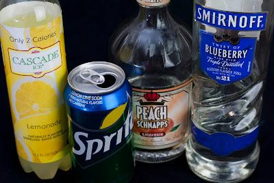 back porch breeze, blueberry vodka, vodka, peach schnapps, lemonade, sprite, lemon lime soda, back porch breeze recipe, back porch breeze picture, back porch breeze photo, back porch breeze image