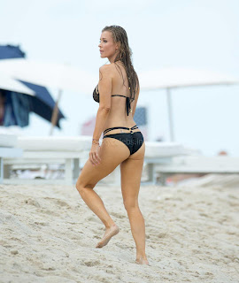 Joanna-Krupa-in-Bikini-362+%7E+SexyCelebs.in+Exclusive.jpg