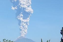 Gunung Merapi Kembali Keluarkan Lava Pijar ke Kali Gendol