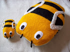 BEE FAMILY CUSHION