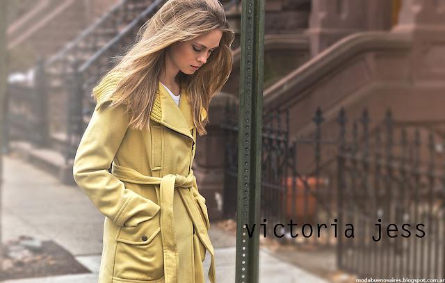 Tendencias de moda otoño invierno 2016 tapados y sacos color Victoria Jess,