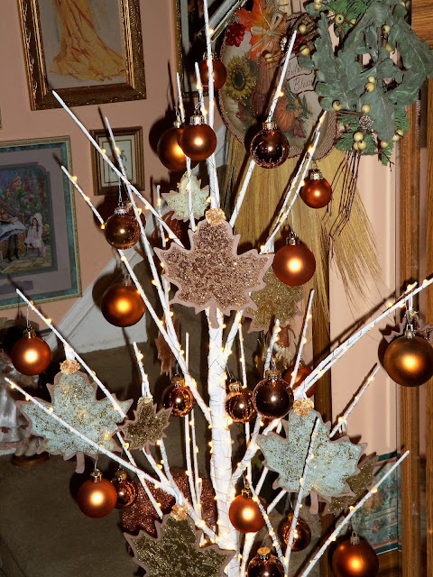 Now Is The Time To Start Looking For Ornaments That Can Be Used Year Round Decorate A Tree Other Holidays And Seasons