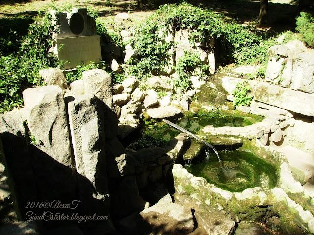 """Izvorul Eminescu/ Eminescu's Water Spring in Cismigiu Park. June 2015 """"Se presupune că în acest loc a existat un izvor mai vechi. Monumentul actual este de formă semicirculară, din blocuri de piatră. Legenda spune că poetul Mihai Eminescu venea în aici pentru a se odihni, pe vremea când lucra la ziarul Timpul. De altfel, poetul a locuit o vreme în apropiere de acest loc."""" Sursa: http://ampt.ro/monument/izvorul-eminescu"""