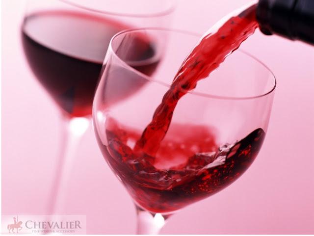 Rượu vang đỏ và việt quất là 'siêu phẩm tình dục'