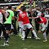 Jogadores de Operário-PR e Cuiabá brigam após a primeira partida da final da Série C