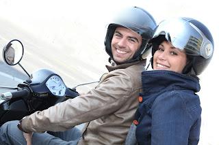 Impedir el arranque de una moto en casco de que su conductor no lleve casco, podría ser posible