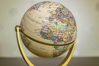 世界の勝ち組企業に厳選投資『iTrust世界株式』ニッセイ外国株式や楽天・全世界株式と実績比較