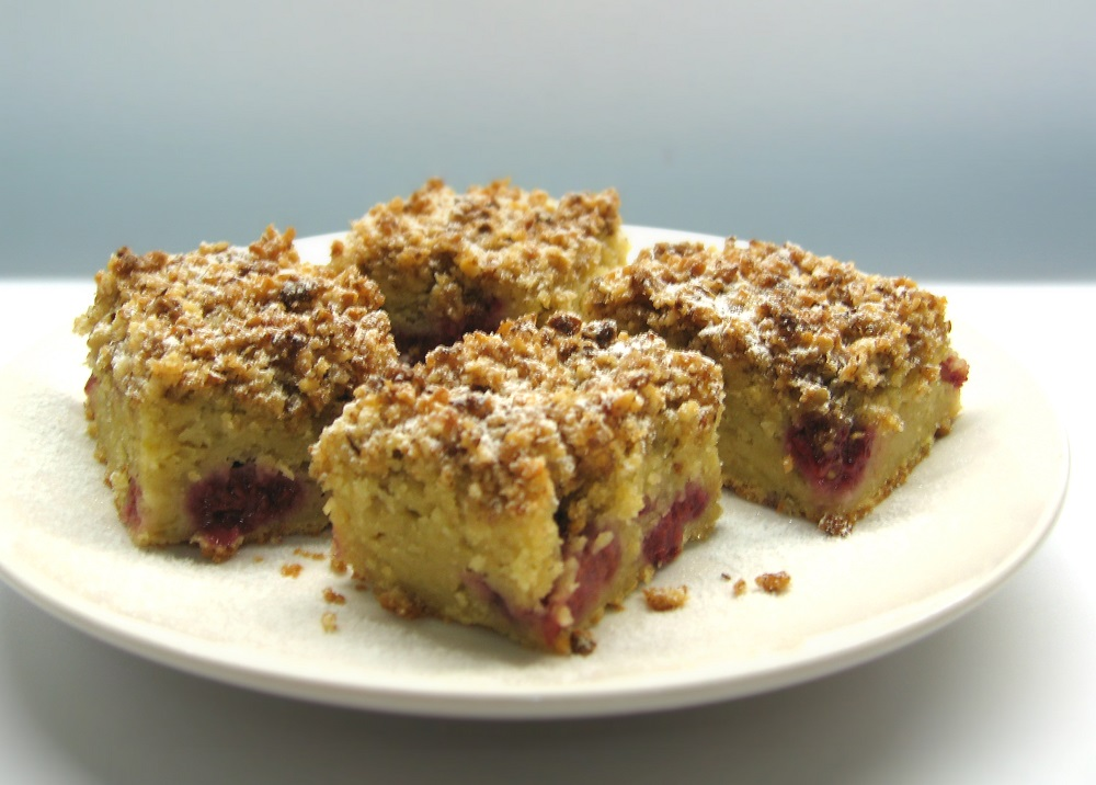 Quadrados de maçã, framboesa e nozes / Apple, raspberry and walnut squares