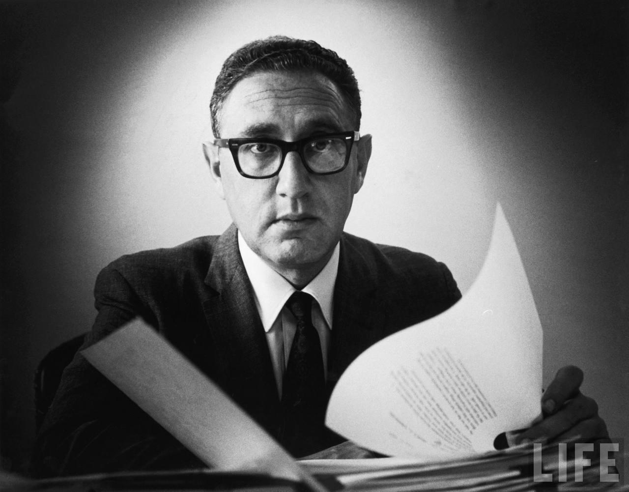 """Restless Reason: Ramblings on Henry Kissinger's """"Nuclear ..."""