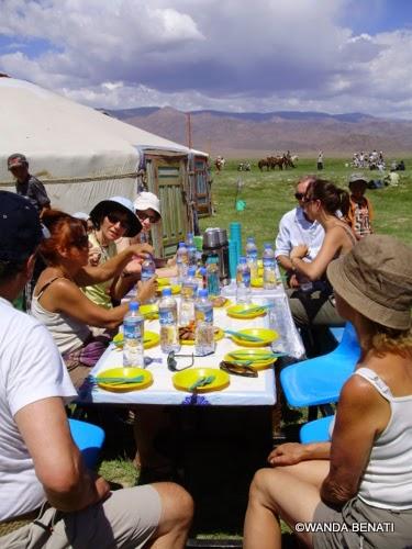 Mongolia, pranzo all'aperto