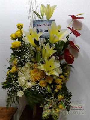 bouquet vas lily casablanca dan baby rose