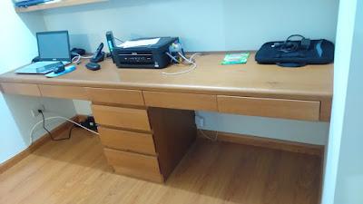 Mueble de oficina en madera cedro con repizas
