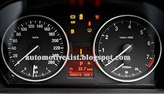 hampir rata rata kendaraan modern masa kini terutama kendaraan yang sudah menyasar kelas  Penyebab Sensor ABS Menyala Dan Cara Menanganinya