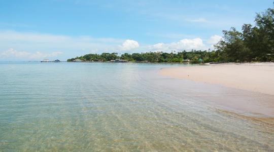 Wisata Pulau Tunjuk Batam dengan Pantai Indah Menawan