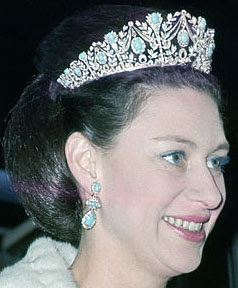 Turquoise Tiara Garrard Queen Elizabeth Princess Margaret United Kingdom