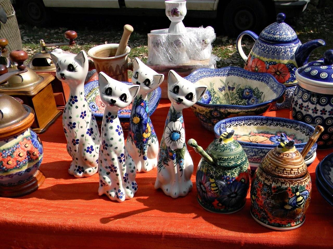 koty, dzbany, ręcznie malowane, jarmark, Bolesławiec