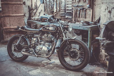 "Royal Enfield 500 ""Black Bullet"" by MCNC"