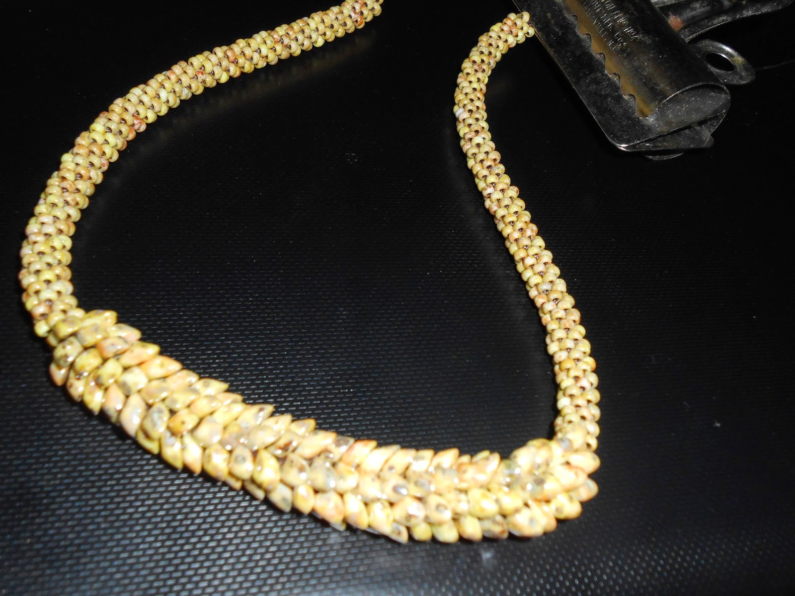 Art therapy: kumihimo braid necklace with beads
