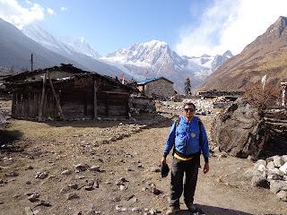 Naba Thapa, Experience manaslu trek Guide