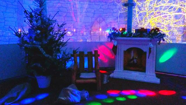 advent, new year, nova godina, bor, christmas tree, božićno drvce, snowflakes, božić, winter, zima, square, božićna bajka, koprivnica, magical, fireplace, kamin