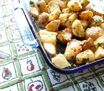 Lebanese Spicy Roasted Potatoes (Batata Harra)