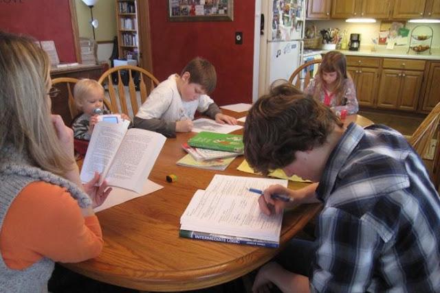 STF avalia se família pode optar por educar filhos em casa